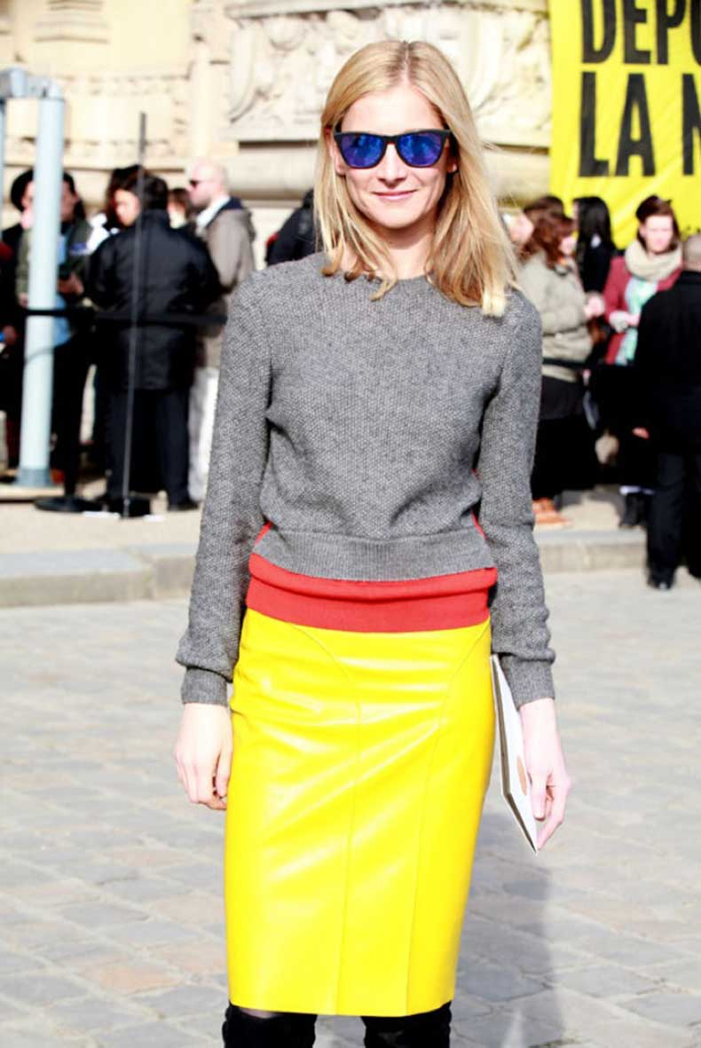 WHO-WHAT-WEAR-PARIS-FASHION-WEEK-FW-2013-STREET-STYLE-BLUE-MIRRORED-SUNGLASSES-FASHION-EDITOR-WAYFARER-GREY-GRAY-SWEATER-LAYERED-ORANGE-RED-SWEATER-YELLOW-LEATHER-PENCIL-SKIRT-TIGHTS-KNEE-HIGH-BOOTS