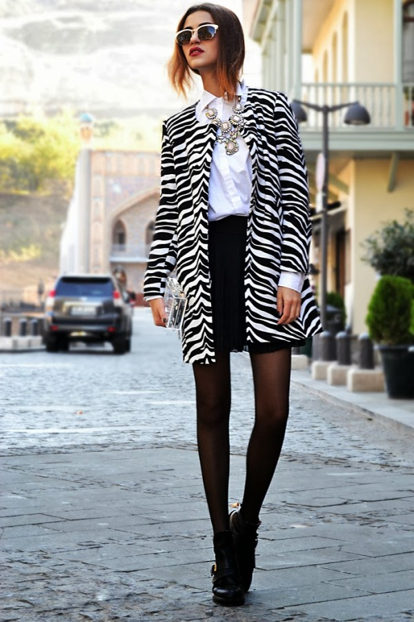 Zebra-Print-Coat-Fashion-Blogger-Street-Style-600x900