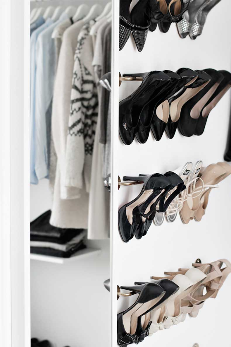 Walk In Closet Pequenos Con Baño:Le-Fashion-Blog-A-Fashionable-Home-Minimal-Bright-Walk-In-Closet