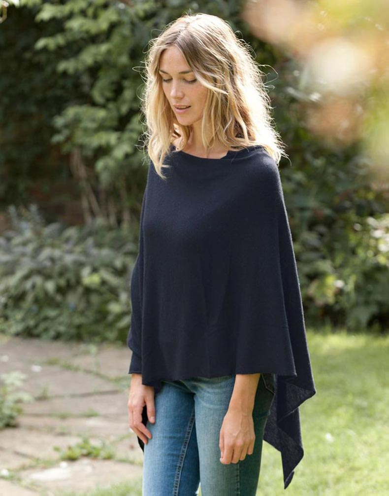 poncho-outfit-for-breastfeeding