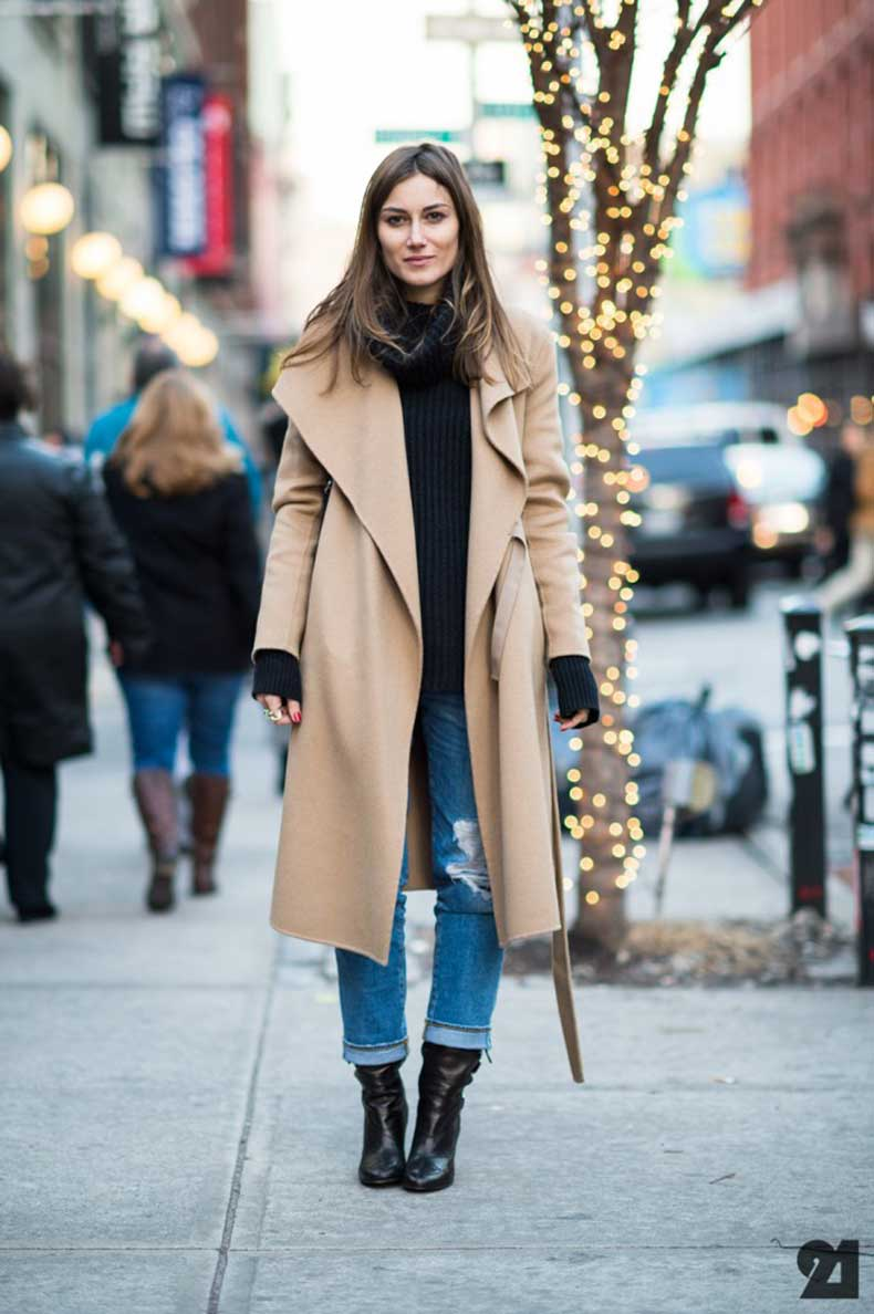 Shop the latest styles of Womens Long Coats at Macys. Check out our designer collection of chic coats including peacoats, trench coats, puffer coats and more!