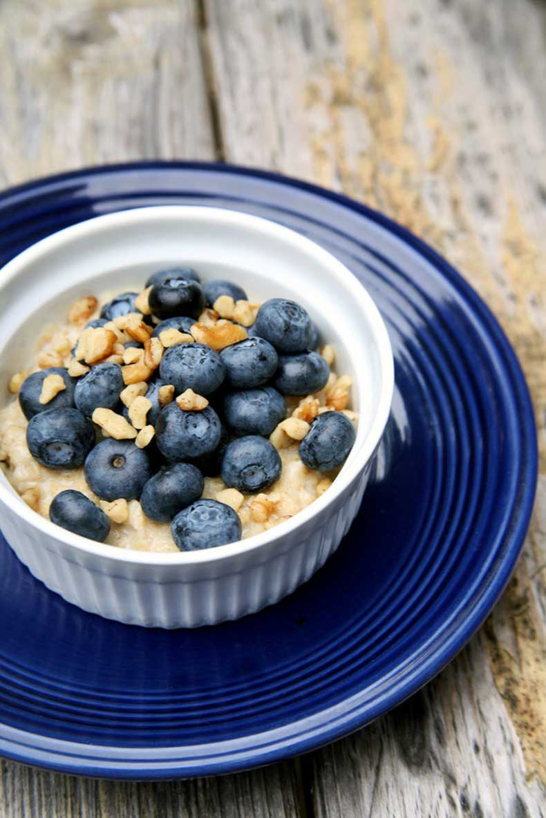 Breakfast-Oatmeal12-cup-oats-150-calories-41-grams-fiber-53