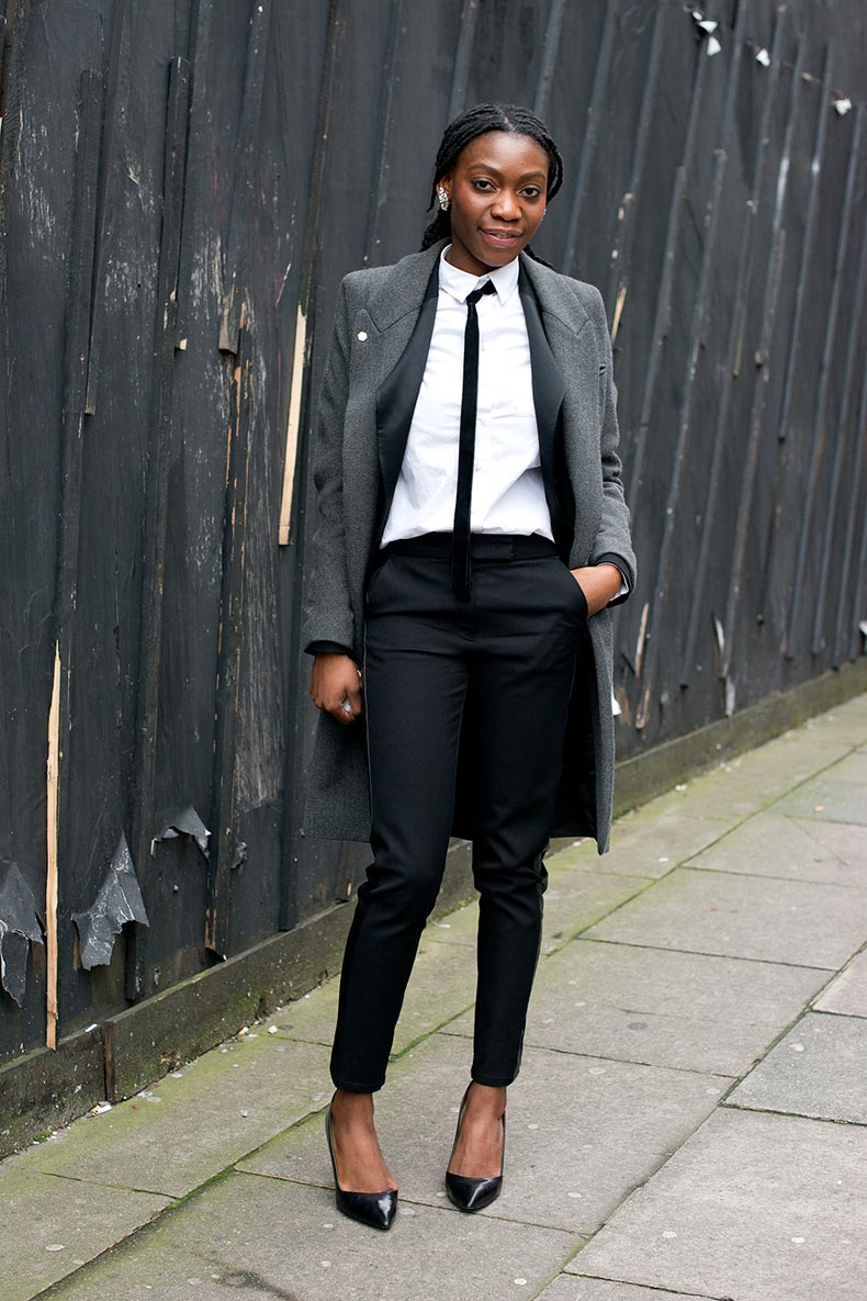 Menswear-woman-touch-via-pointed-toe-pumps-skinny-black