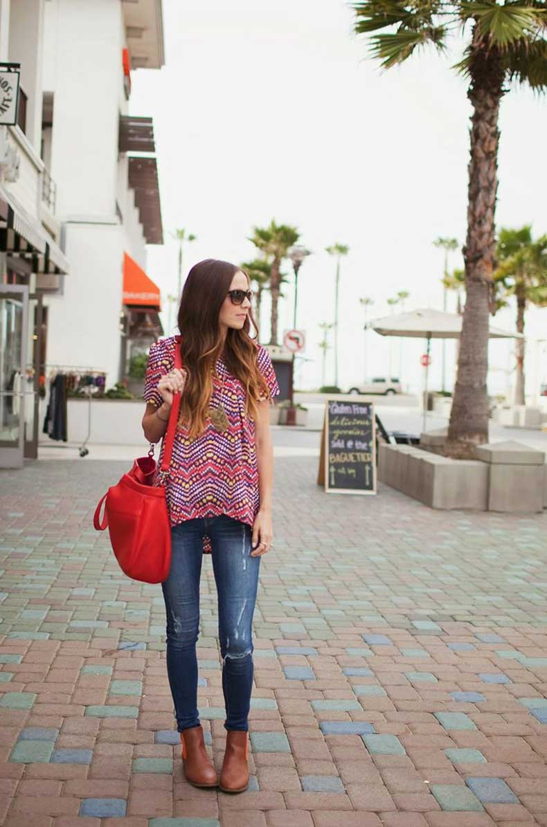 printed-shirt-and-jeans