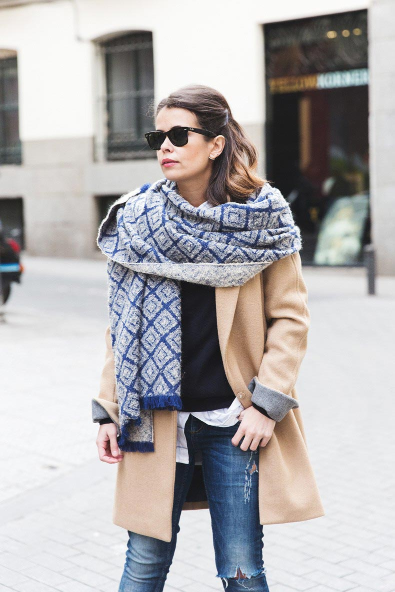 Camel_Coat-Blue_Sweater_Plaid_Shirt-Maxi_Scarf-Outfit-Blue_Boots-Outfit-Street_Style-Collage_Vintage-8-790x1185