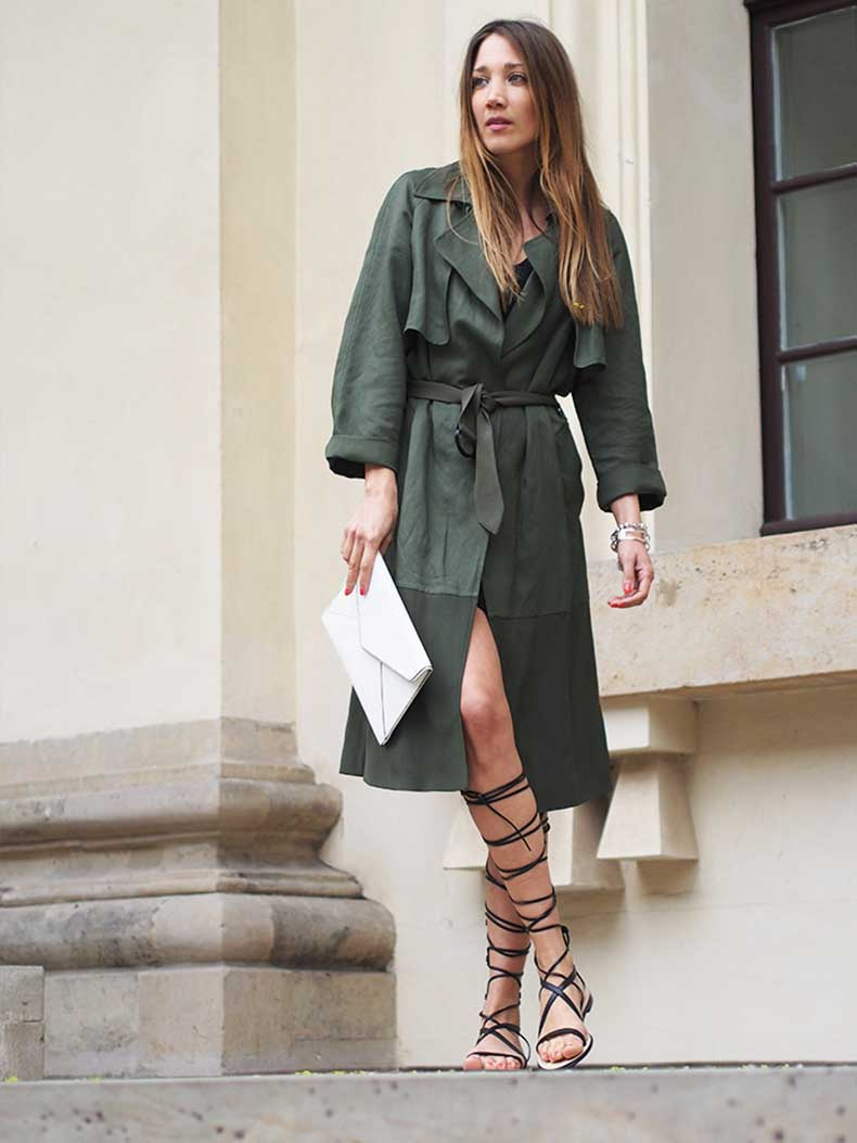 gladiator-sandals-khaki-trenchcoat-fashionblogger-berlin-helloshopping-instyle-streetstyle-spring-trends-2015
