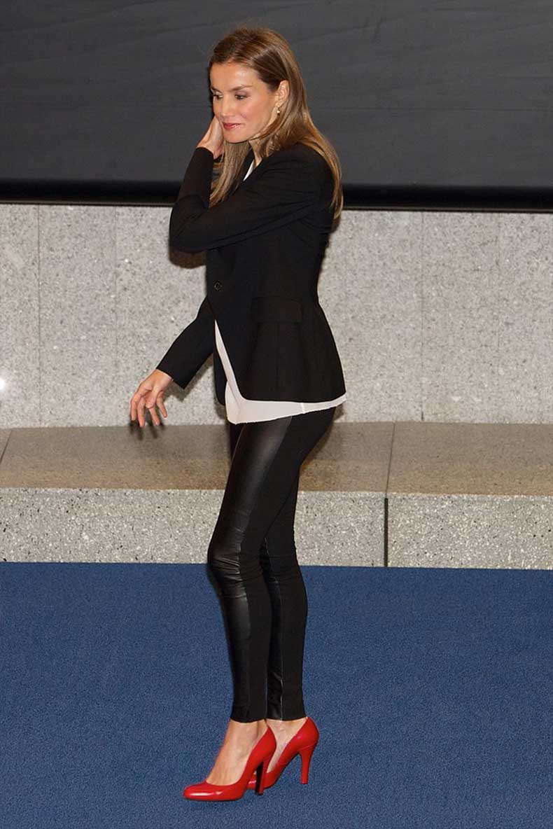 When-She-Just-Plain-Old-Wore-Leather-Pants
