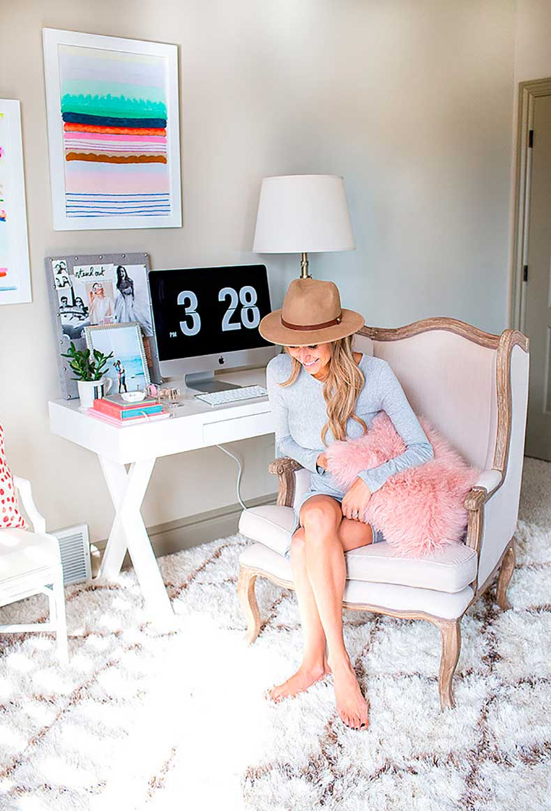 fashion-blogger-admits-she-out-her-comfort-zone-when
