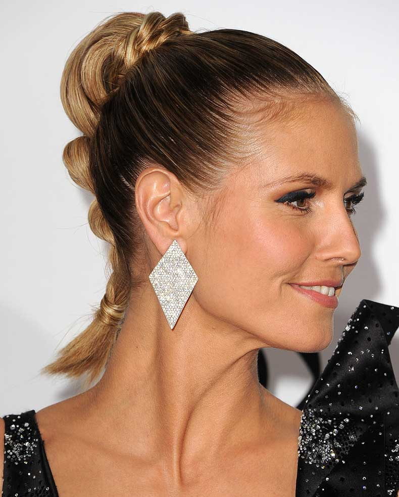 Give-your-ponytail-bohemian-tilt-adding-twist-around