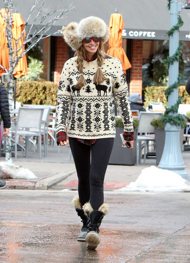 Elle-Macpherson-bundled-up-cutest-way-possible-fur