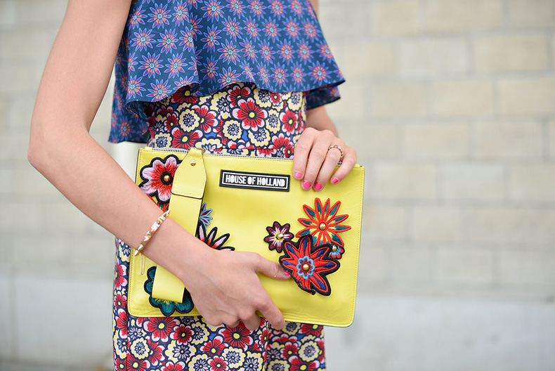 Give-print-mixing-spin-embrace-bright-hues-Summer