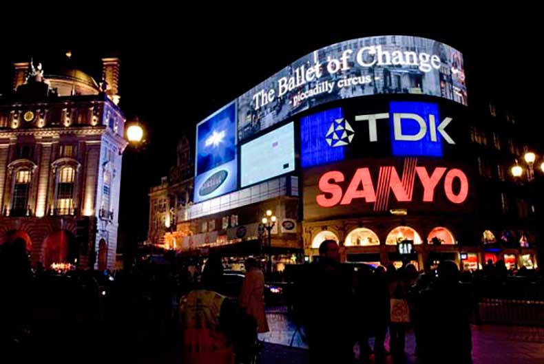 The_Ballet_of_Change-_Piccadilly_Circus_London