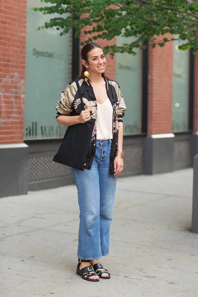 We-love-relaxed-feel-pair-jeans