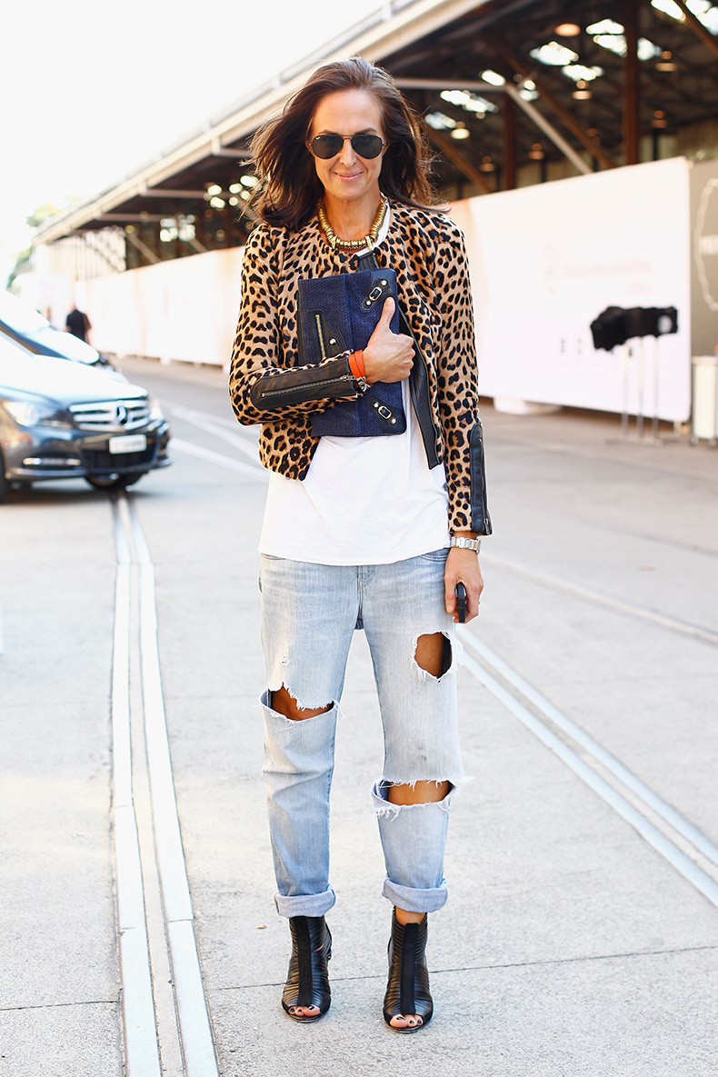Boyfriend-jeans-got-sophisticated-finish-leopard-jacket