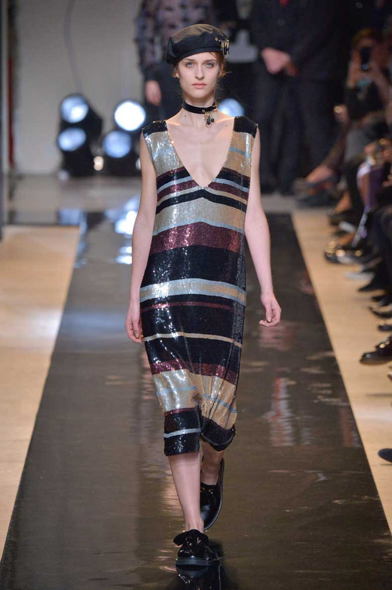 Choker-First-Popped-Up-Fall-15-Runway