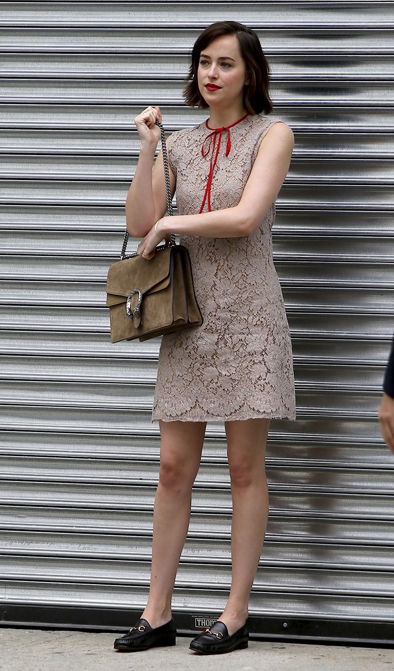 dakota-johnson-gucci-cruise-in-new-york-city-june-2015_1
