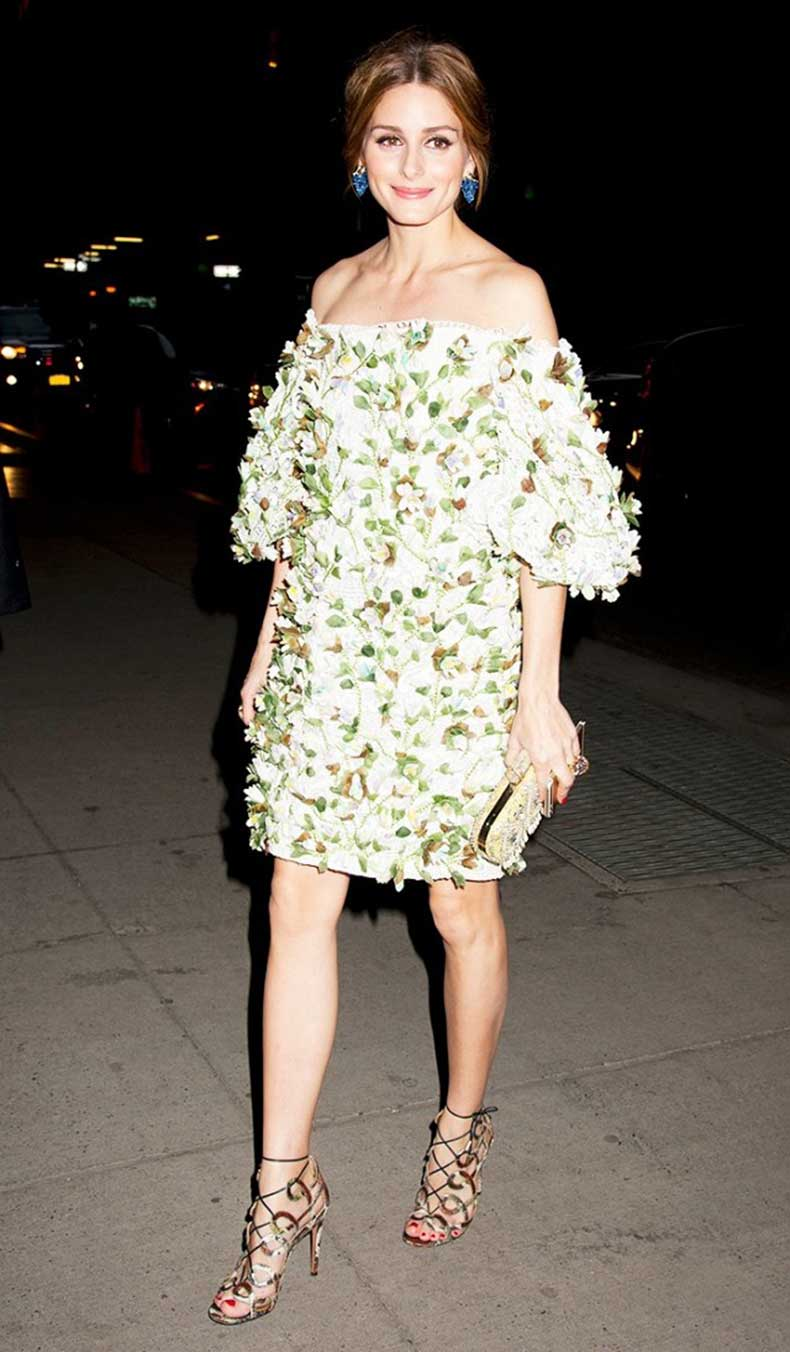 the-7-items-every-20-something-celeb-has-in-her-closet-1593138-1449863333.640x0c