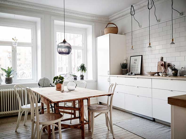 Oracle-Fox-Sunday-Sanctuary-Detail-Oriented-Black-and-white-Scandinavian-Interior-13