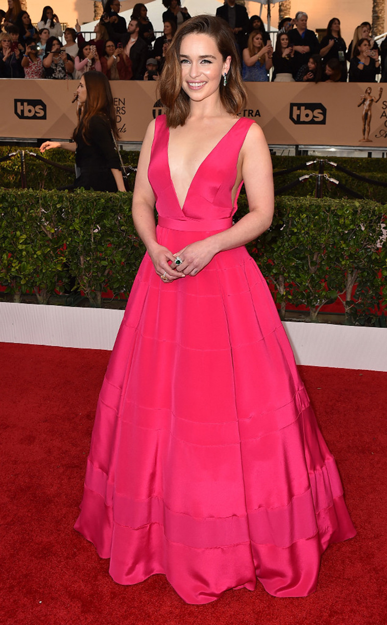 rs_634x1024-160130170341-634-SAG-Awards-2016-emilia-clarke