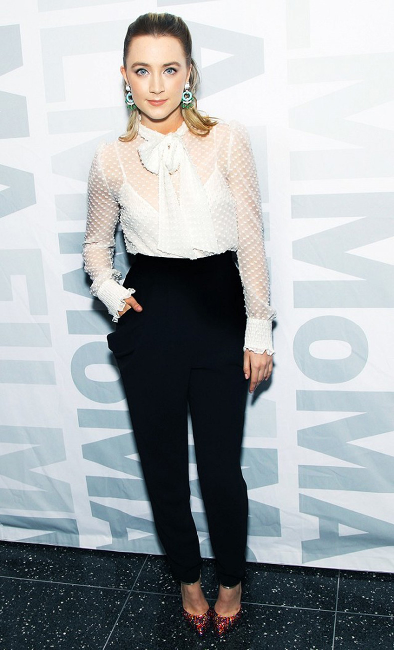 the-new-it-girl-thats-on-every-best-dressed-list-1667525-1456174637.640x0c
