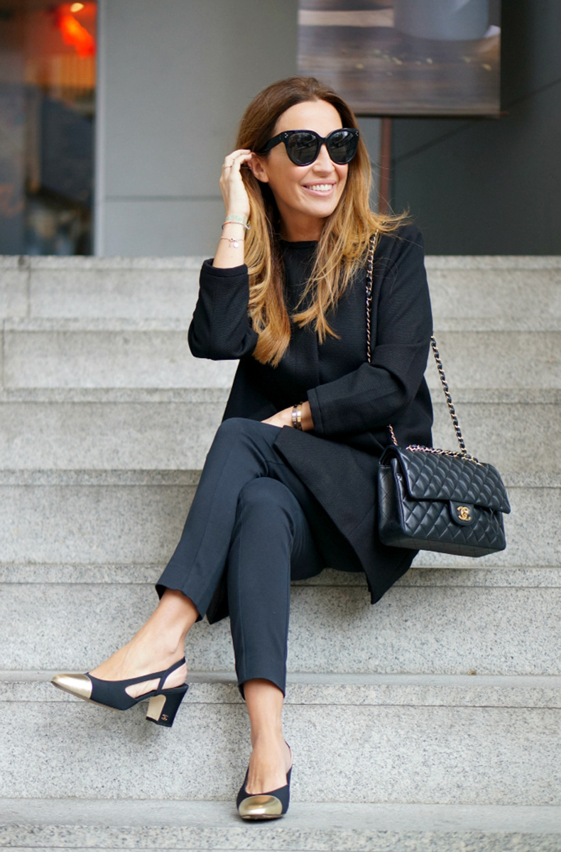00a-street-style-total-black-oxygene-fashion-oxygene-my-oxygene-chanel-chanel-slingback-shoes-black-and-gold-con-dos-tacones-c2t