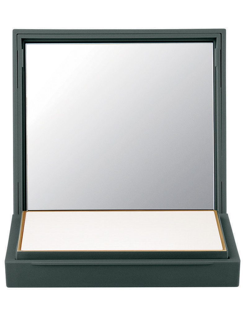 MAC-Cosmetics-x-Zac-Posen-Prep-Primer-Transparent-Finishing-Powder