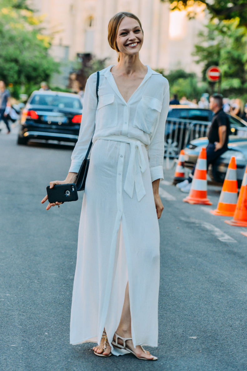 long-white-maxi-dress-lwed-white-dress-model-off-duty-style-summer-work-outfit-fashion-couture-street-style-via-style.com_.jpg-640x959