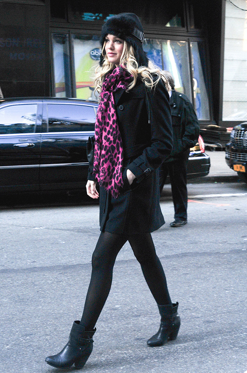 Erin-Heatherton-went-head--toe-black-NYC-added-pop