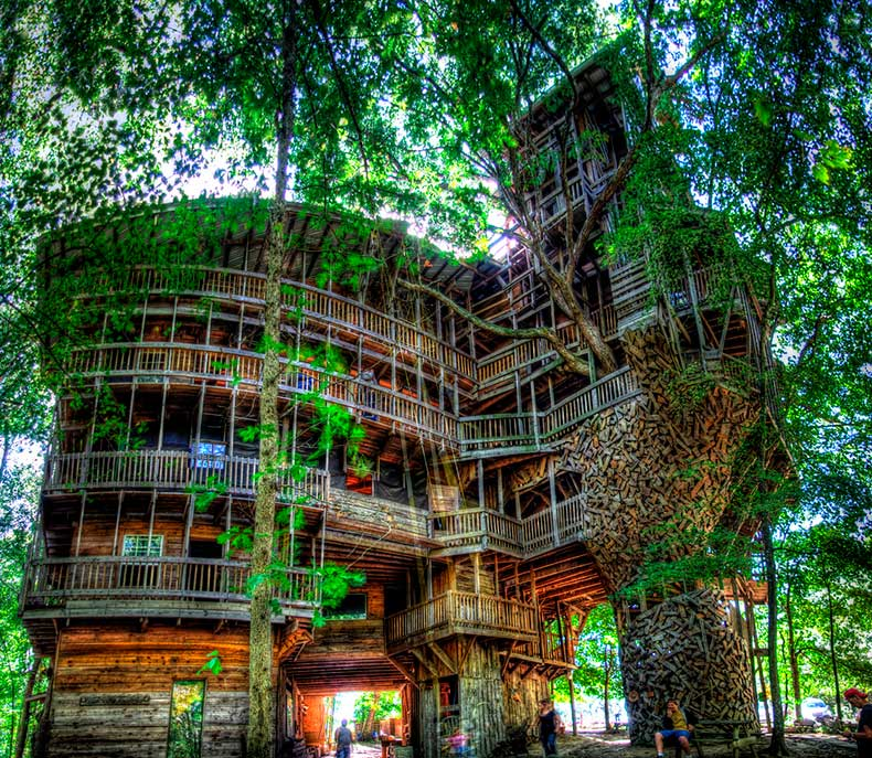 Minister's-Treehouse-a