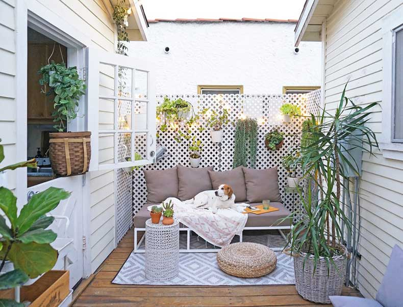 Tiny-Space-Living-Tips-From-Tiny-Canal-Cottage-Blogger-(1)