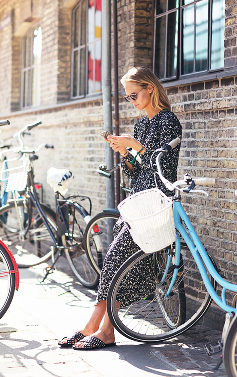 summer-to-fall-printed-maxi-dress-slides-sandals-via-stockholm-street-style