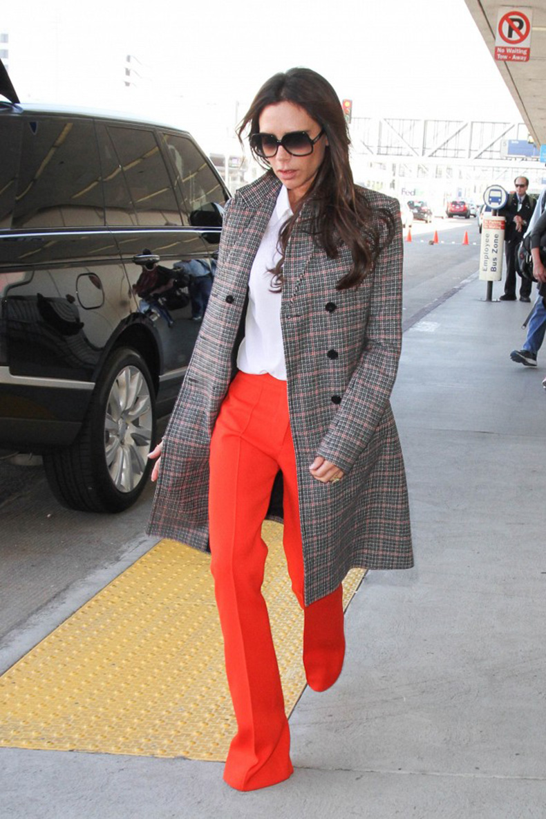 victoria-beckham-just-won-an-award-for-her-airport-style-1748703-1461790902.640x0c