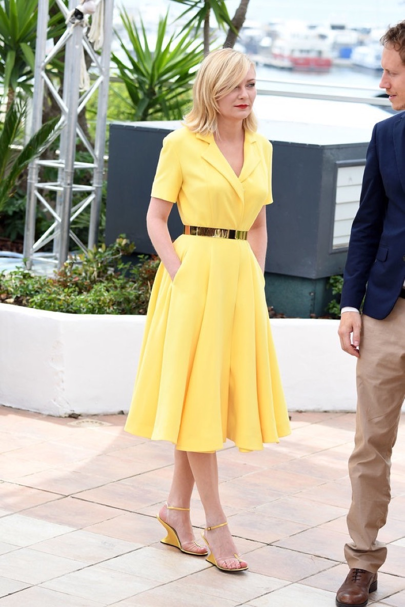 Kirsten-Dunst-wore-bright-yellow-Dior-dress-full-skirt