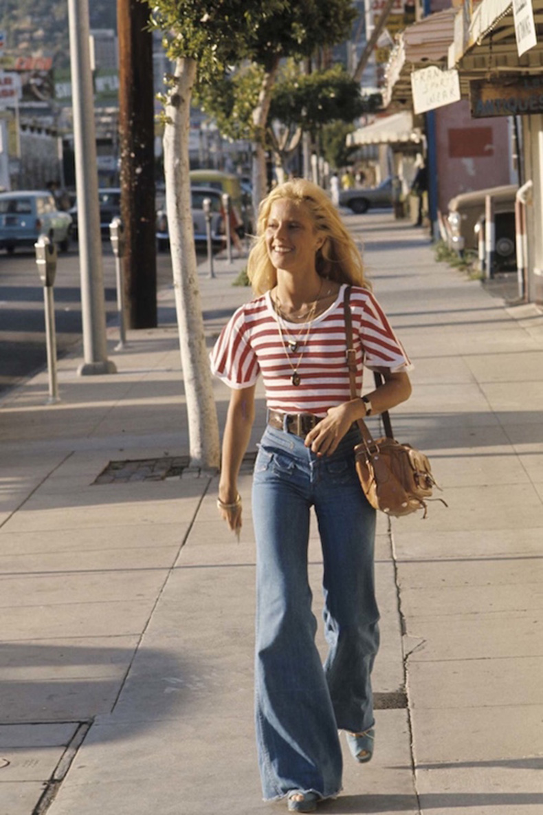 Le-Fashion-Blog-1970s-70s-Street-Style-Vintage-Photos-Red-Stripe-Top-High-Waisted-Wide-Leg-Flared-Jeans-Denim-Via-Tres-Blase