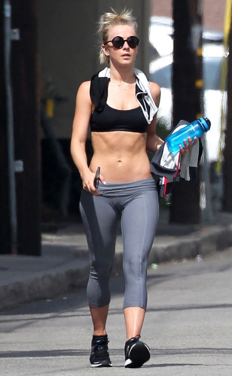 rs_634x1024-160608155345-634.Julianne-Hough-Gym-LA.ms.060816