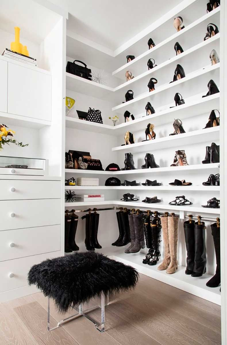 tyra-bankss-closet-is-beyond-perfection-1788194-1464705781.640x0c