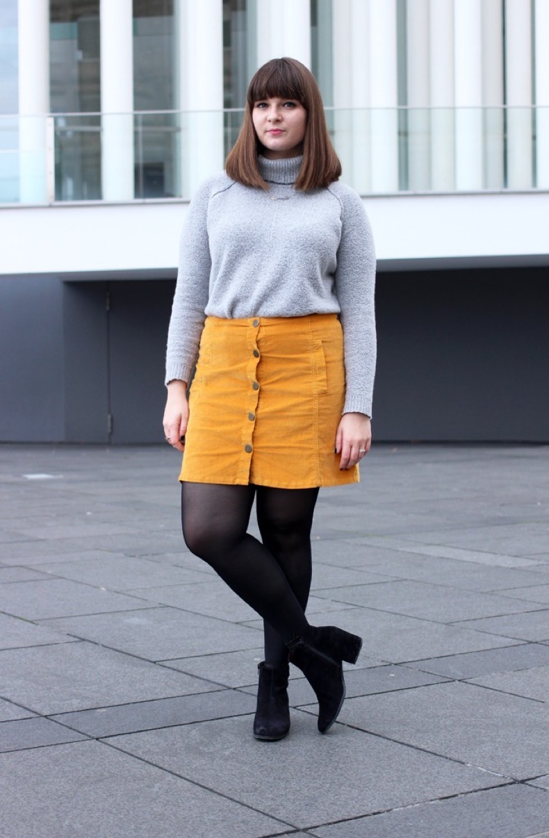 yellow-a-line-skirt-outfit