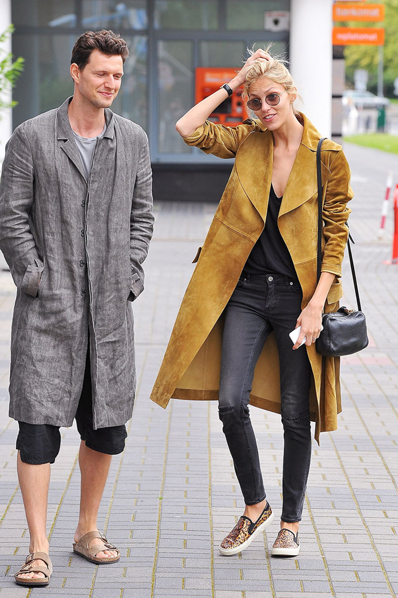 Anja-Rubik-and-Husband-Sasha-Knezevic,-models,-model-couple,-street-style,-off-duty