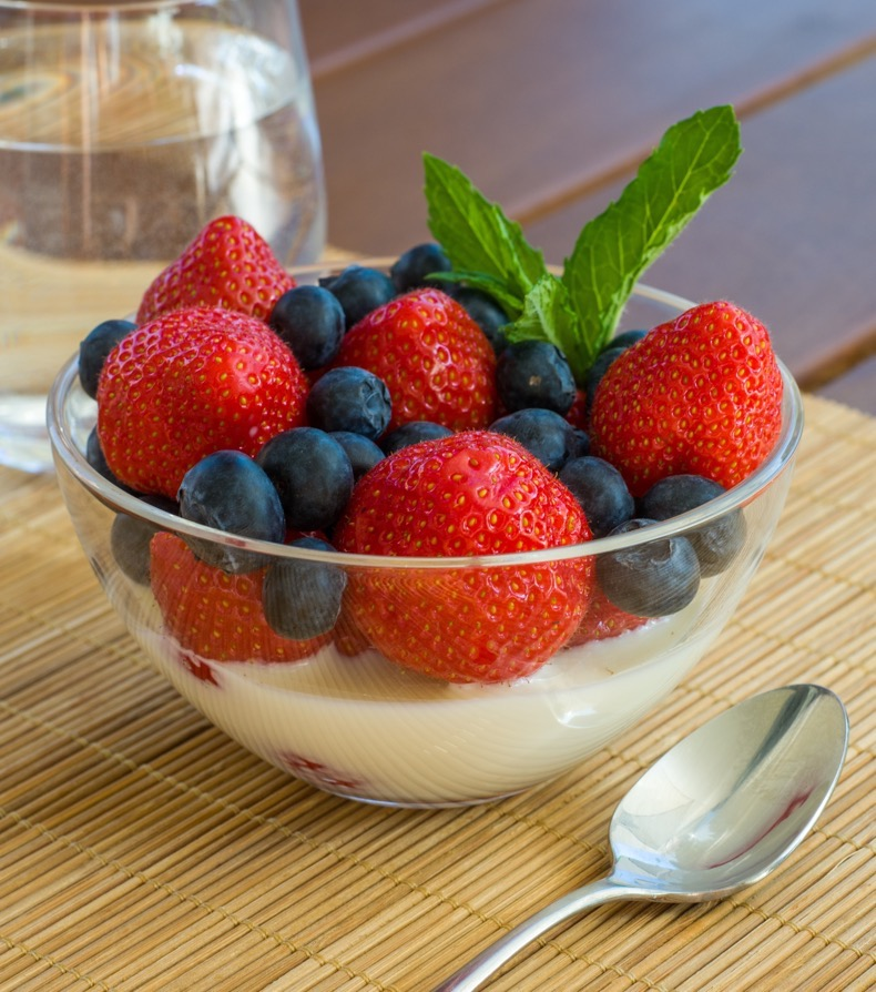 Greek-Yoghurt-Berries