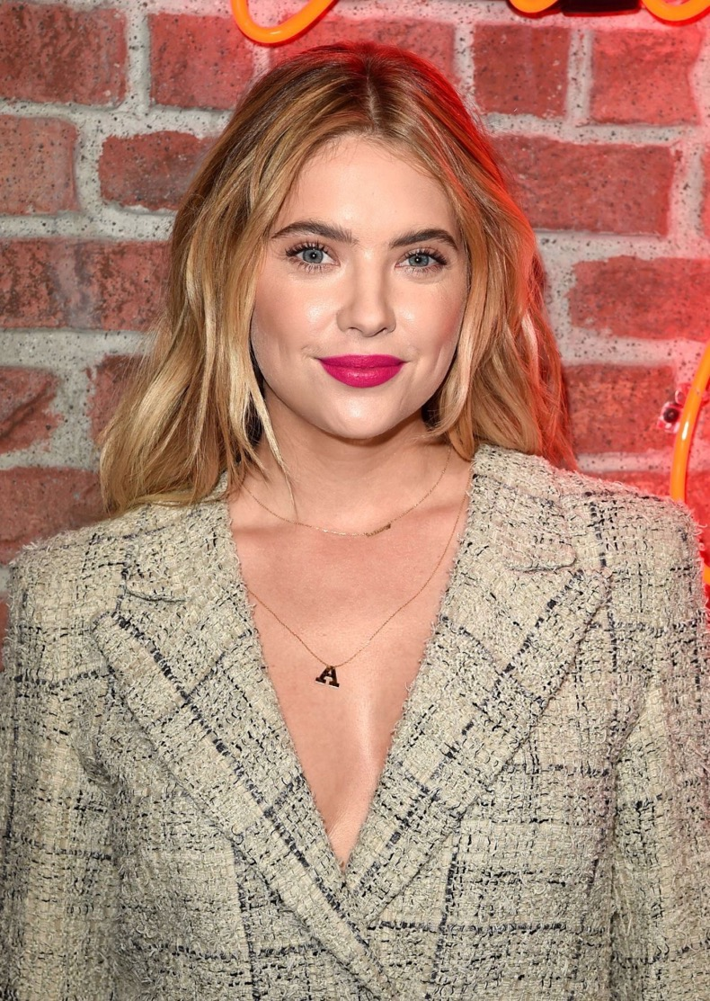 ashley-benson-i-love-coco-backstage-beauty-lounge-in-los-angeles-february-2016-1