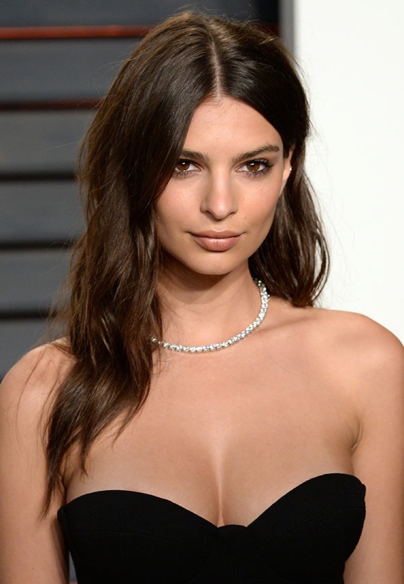 emily-ratajkowski-hair-beauty-oscars-ftr