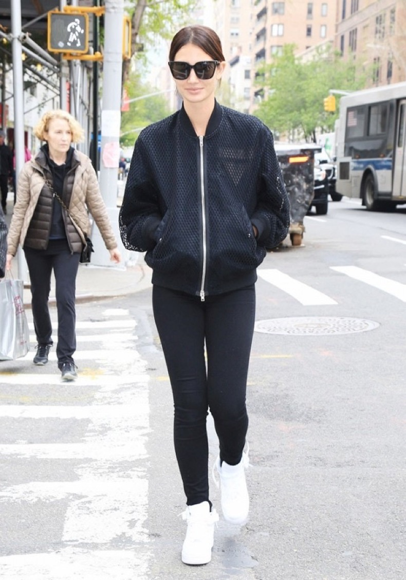 lily-aldridge-surprised-us-with-her-latest-sneakers-choice-1764803-1462910404.640x0c