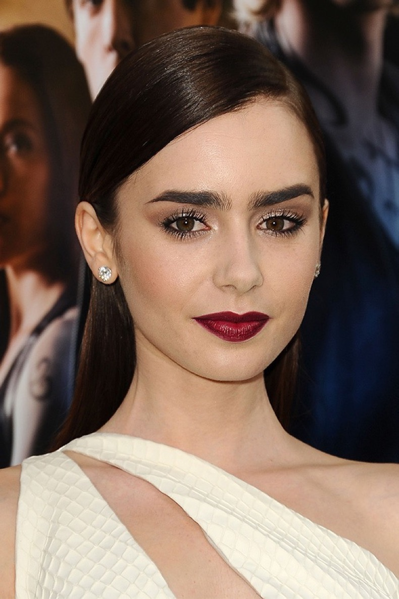 lily-collins-bright-lipstick