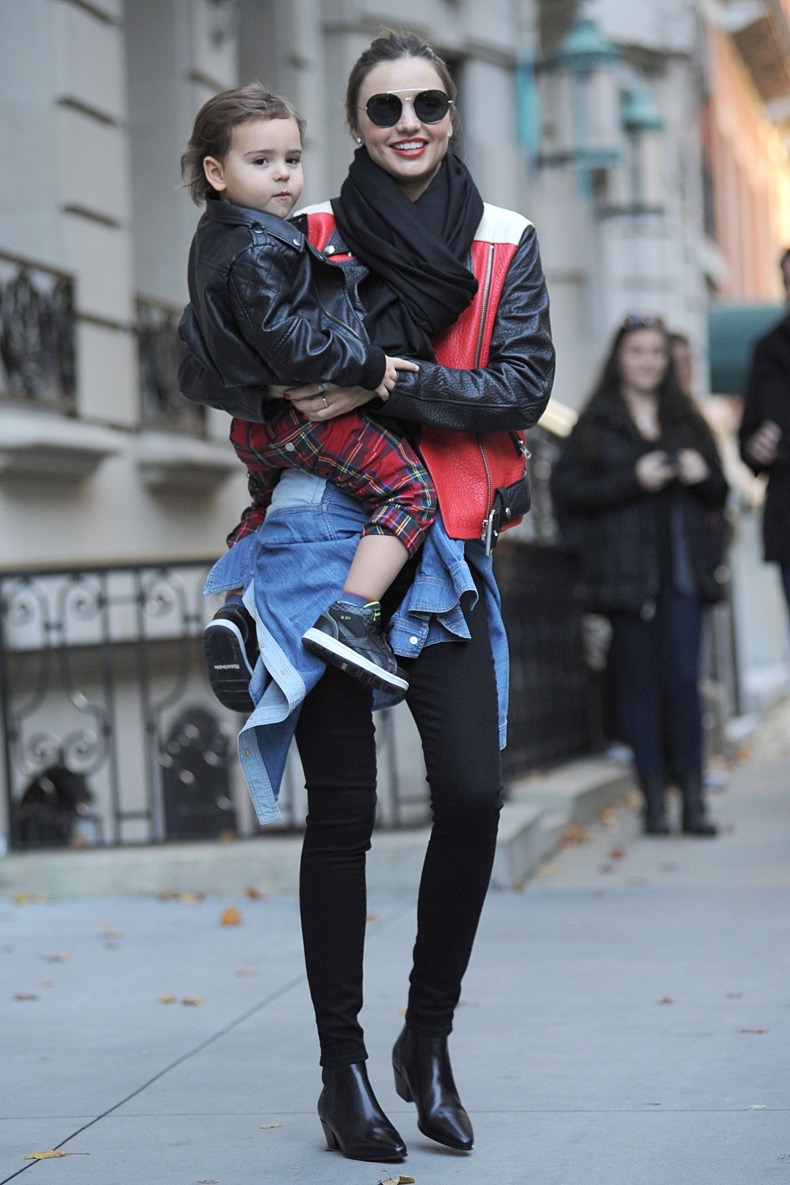 November 16, 2013: Miranda Kerr and her son Flynn Bloom are all smiles as they leave their New York City apartment, headed to JFK Airport. Mandatory Credit: Kristin Callahan/ACE/INFphoto.com Ref.: infusny-220|sp|U.S., UK, AUSTRALIA, NEW ZEALAND SALES ONLY.