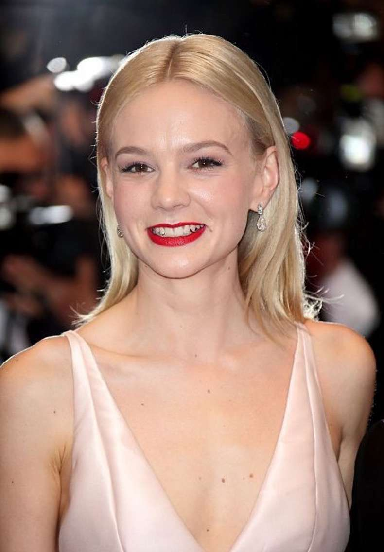 Carey-Mulligan-glammed-up-red-carpet-premiere