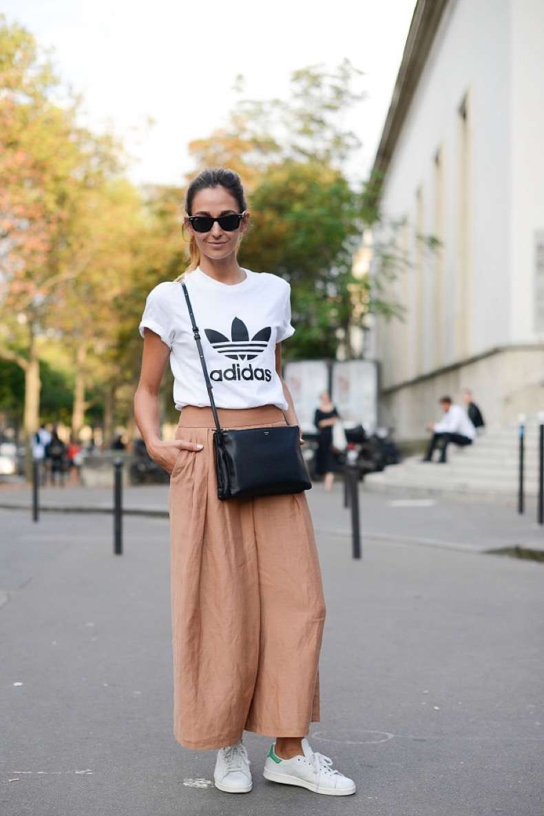 adidas-culottes-wide-leg-pants-blush-peach-adidas-sneakers-white-sneakers-stan-smith-adidas-tshirt-tee-graphic-tee-normcore-sportyPFW-Street-Style-time-via-getty-640x959