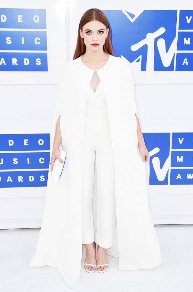 all-the-showstopping-vma-looks-you-need-to-see-1884770-1472426868.640x0c