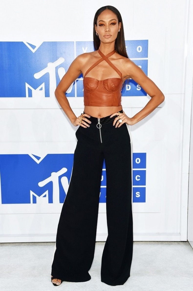 all-the-showstopping-vma-looks-you-need-to-see-1884786-1472428462.640x0c