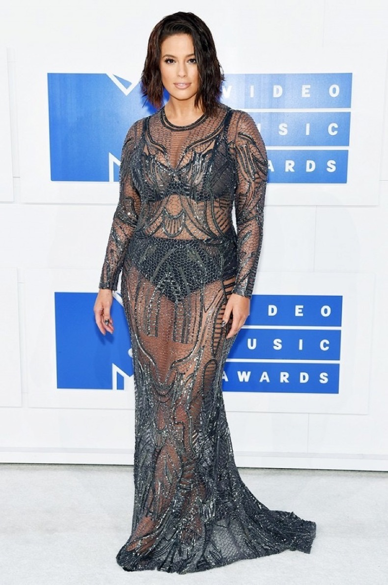 all-the-showstopping-vma-looks-you-need-to-see-1884797-1472428955.640x0c