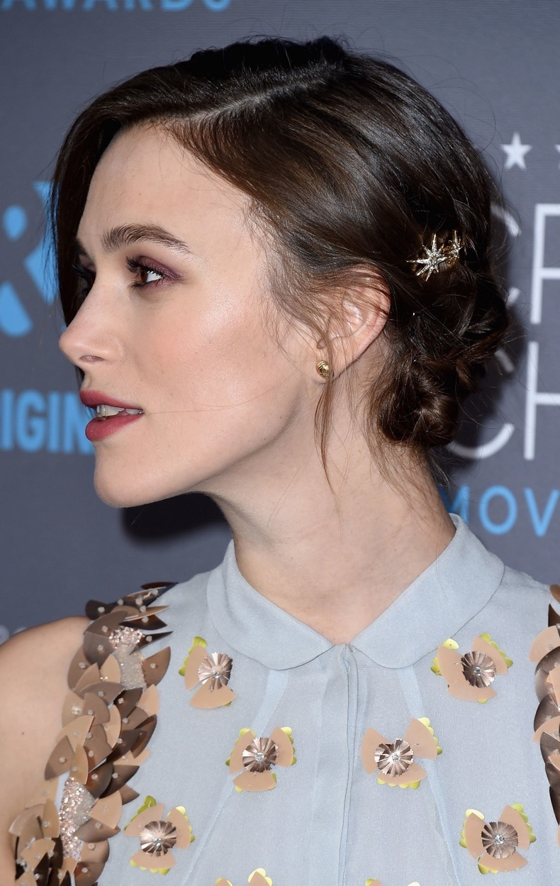beauty-2015-01-keira-knightley-updo-red-carpet-main